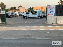 cayman-parking-paga-all-arrivo-16