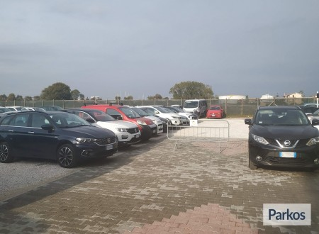 Area 4 Parking (Paga online) foto 8