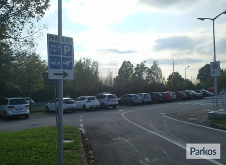 Park & Fly BHR Treviso Hotel (Paga online) foto 4