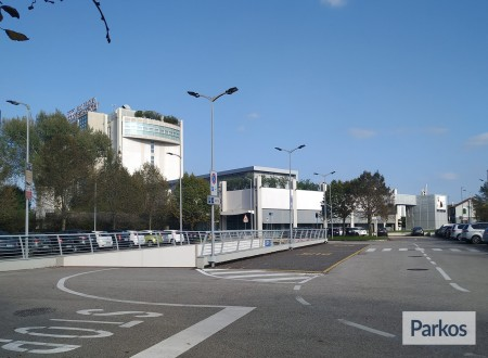 Park & Fly BHR Treviso Hotel (Paga online) foto 3