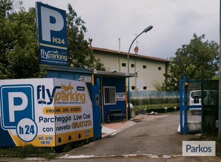 Car & Fly Parking Firenze (Paga in parcheggio) foto 1
