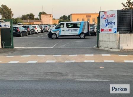 Cayman Parking (Paga in parcheggio) foto 1