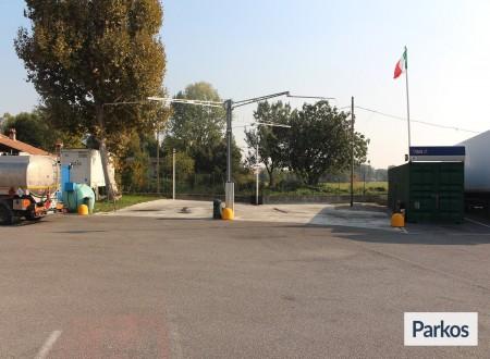 Emilia Park (Paga in parcheggio) foto 6