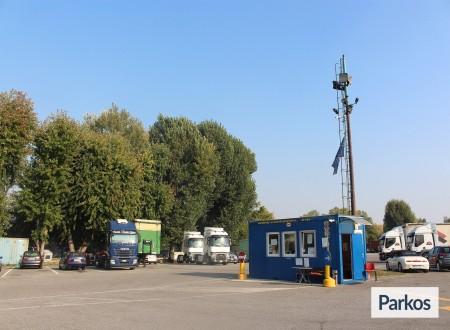 Emilia Park (Paga in parcheggio) foto 1