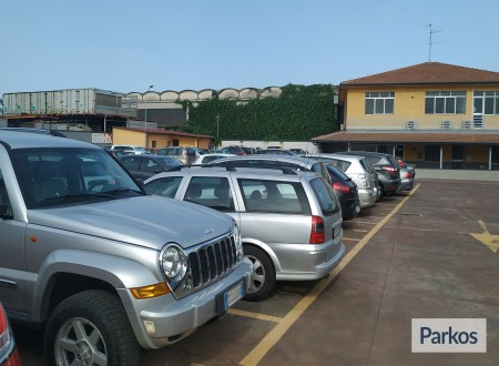 Etna Parking (Paga in parcheggio) foto 7
