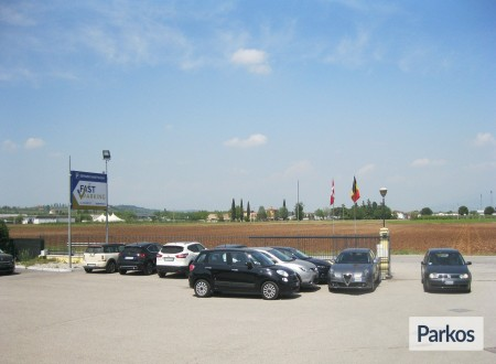Fast Parking Verona (Paga in parcheggio) foto 9