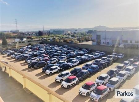 Reg Auto presso For Service (Paga in parcheggio) foto 2