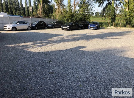 France Parking CDG photo 3