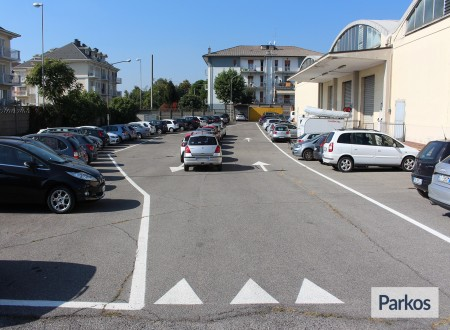 I.V.M. Parking (Paga online) foto 7