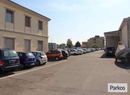 I.V.M. Parking (Paga all'arrivo) foto 3