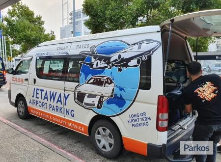 Jetaway airport parking photo 3