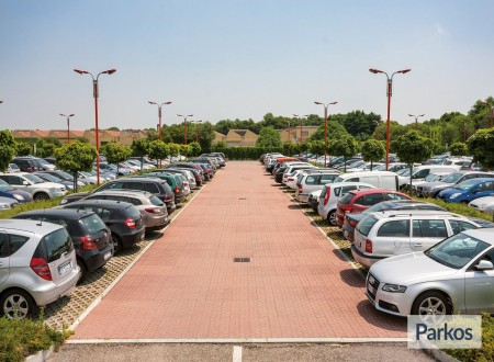 New Linate Parking (Paga online) foto 7