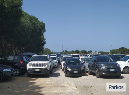 Orange Airport Parking (Paga online) foto 2