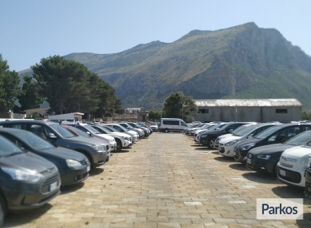 Orange Airport Parking (Paga online) foto 3