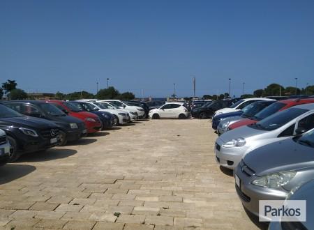 Orange Airport Parking (Paga in parcheggio) foto 5