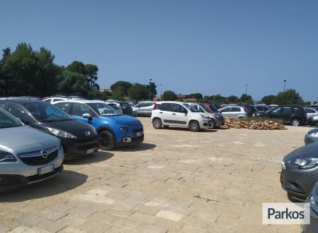Orange Airport Parking (Paga in parcheggio) foto 3