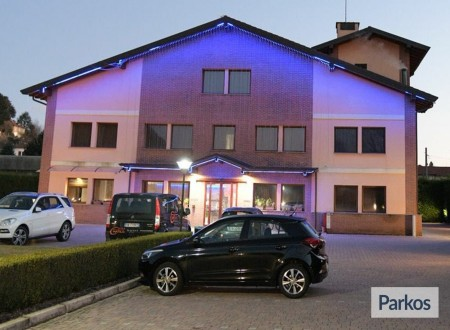 Orange Hotel Parking (Paga online) foto 3