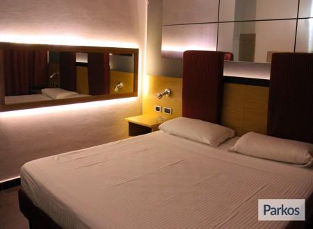 Orange Hotel (1 notte + parcheggio) (Paga online) photo 3