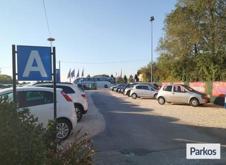 Parcheggio Marco Polo VIP (Paga online) photo 4