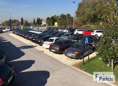 Parcheggio Marco Polo VIP (Paga online) foto 7
