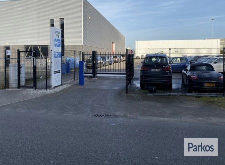 P26 Eindhoven Airport Park & Fly photo 2
