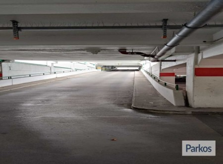 Parking 4 Holiday / Tiefgarage Schreyerring foto 3