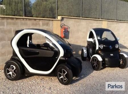 Parking Di Tullio (Paga in parcheggio) foto 2
