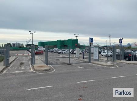 Parking Goletta (Paga in parcheggio) foto 1