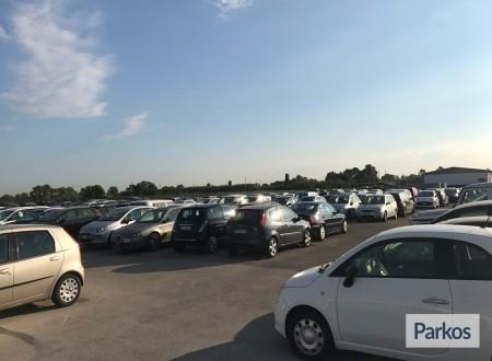 Parcheggio a Fiumicino (Paga online) foto 9