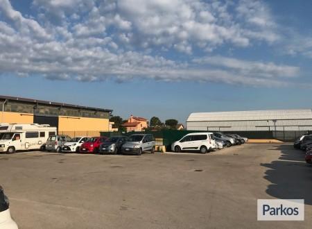 Parcheggio a Fiumicino (Paga online) foto 7
