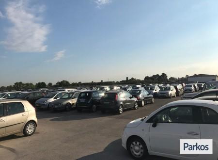 Parcheggio a Fiumicino (Paga in parcheggio) foto 9