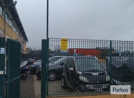 Parcheggio a Fiumicino (Paga in parcheggio) foto 3