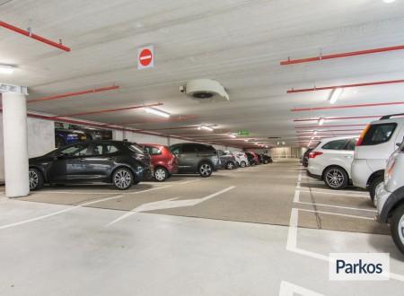 Q-Park Park+Fly Amstelveen (No Shuttle - Free Bus Connection) foto 3