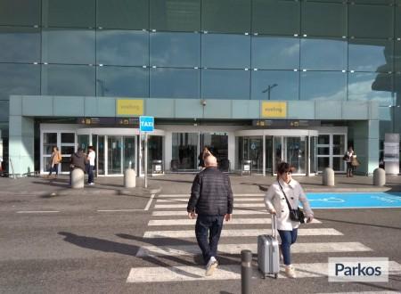 Roberto Parking photo 1