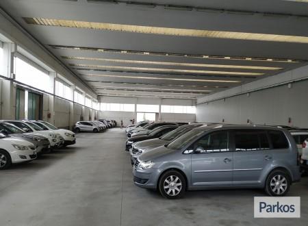 Well Parking (Paga in parcheggio) photo 9