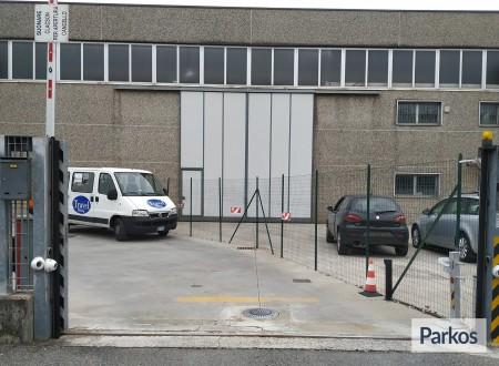 Well Parking (Paga in parcheggio) photo 2