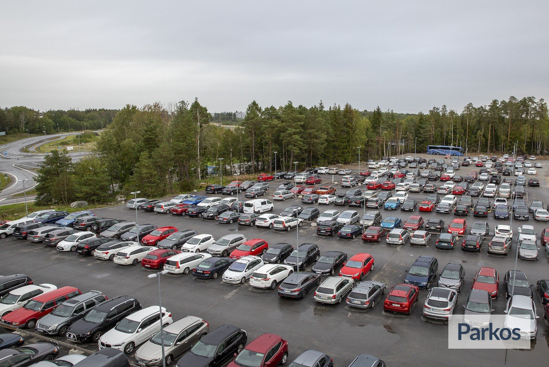 hotell med parkering arlanda