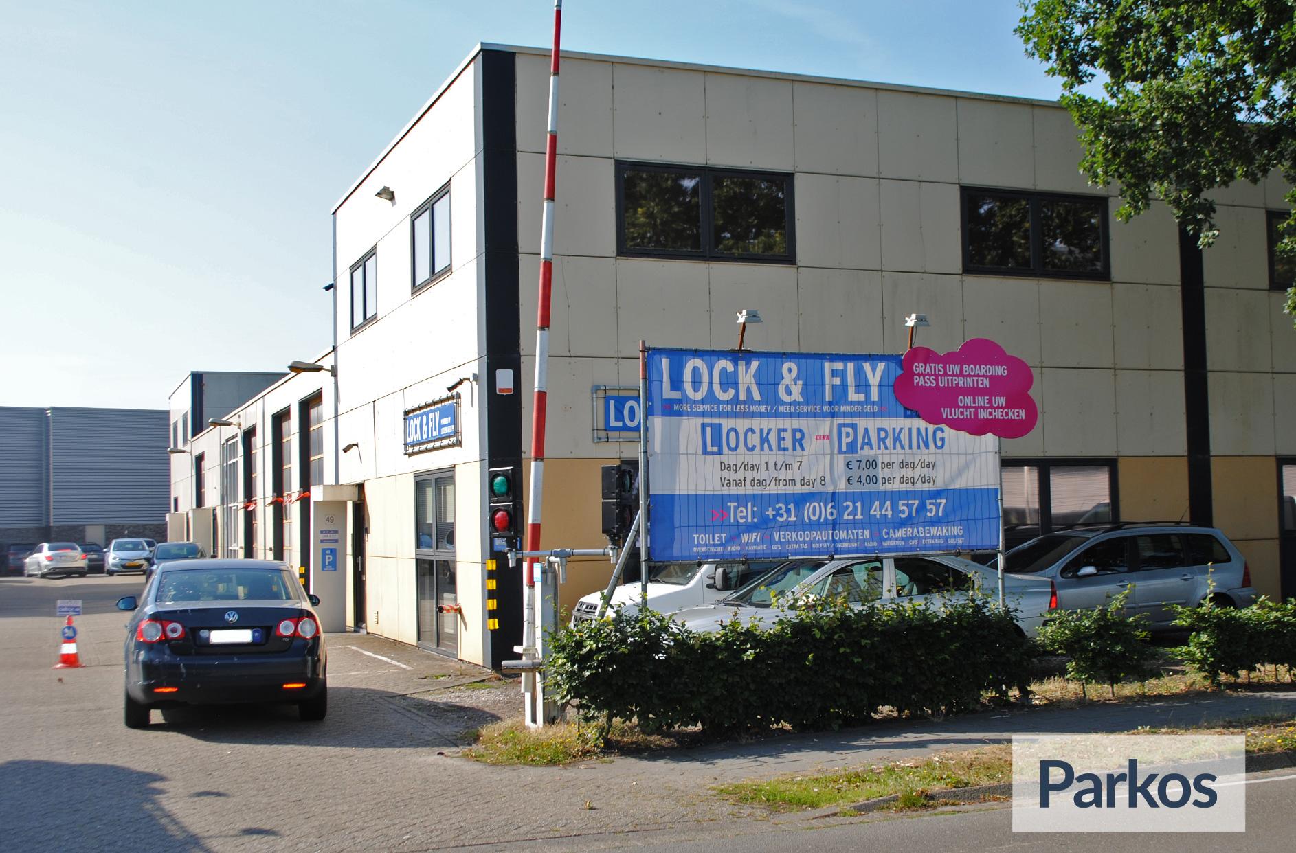 Lock & Fly