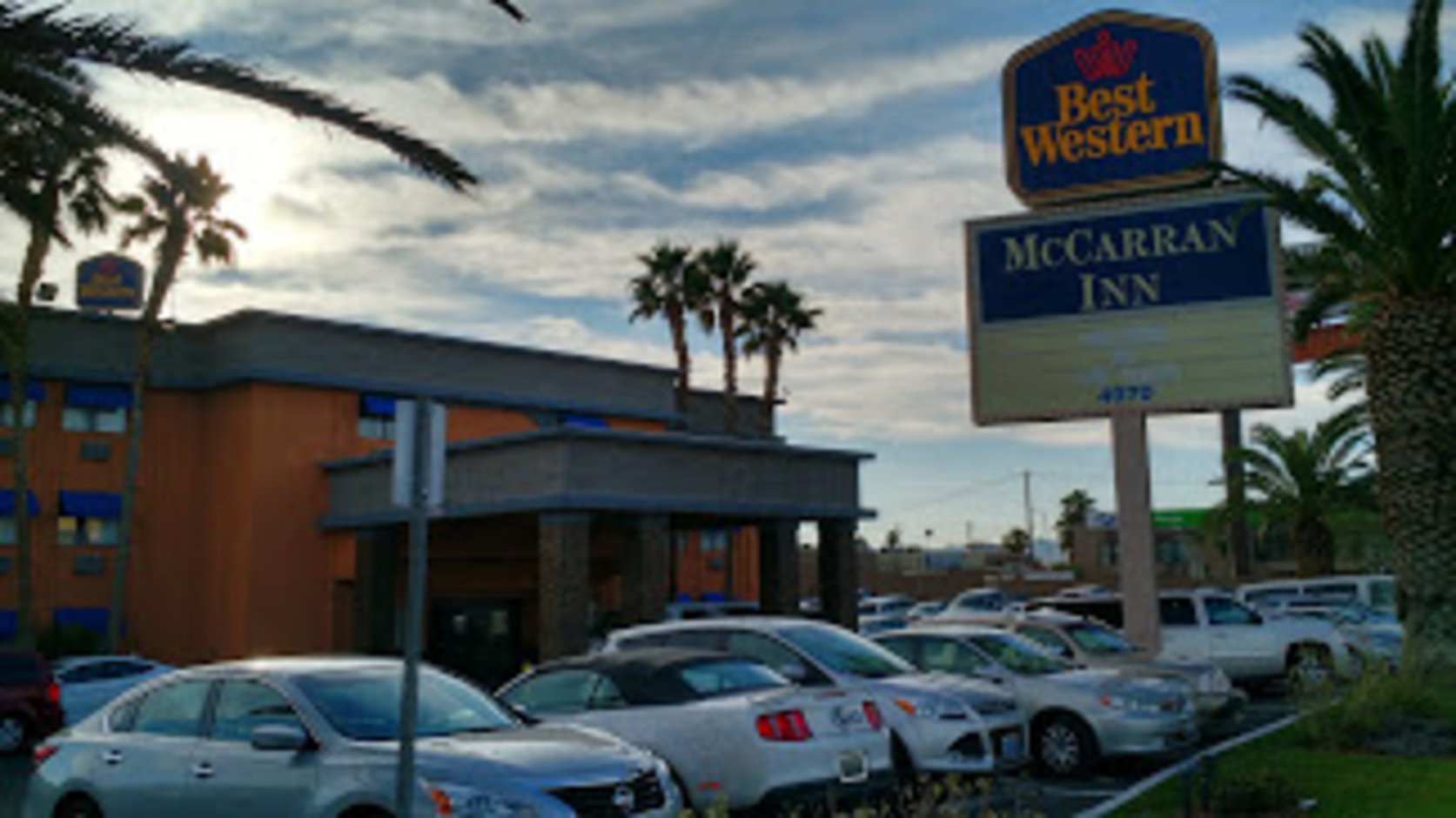 PARK, SLEEP & Fly Best Western McCarran (Double Queen)