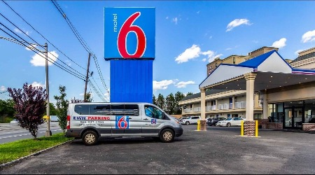 Motel 6 Elizabeth-Newark Liberty International Airport