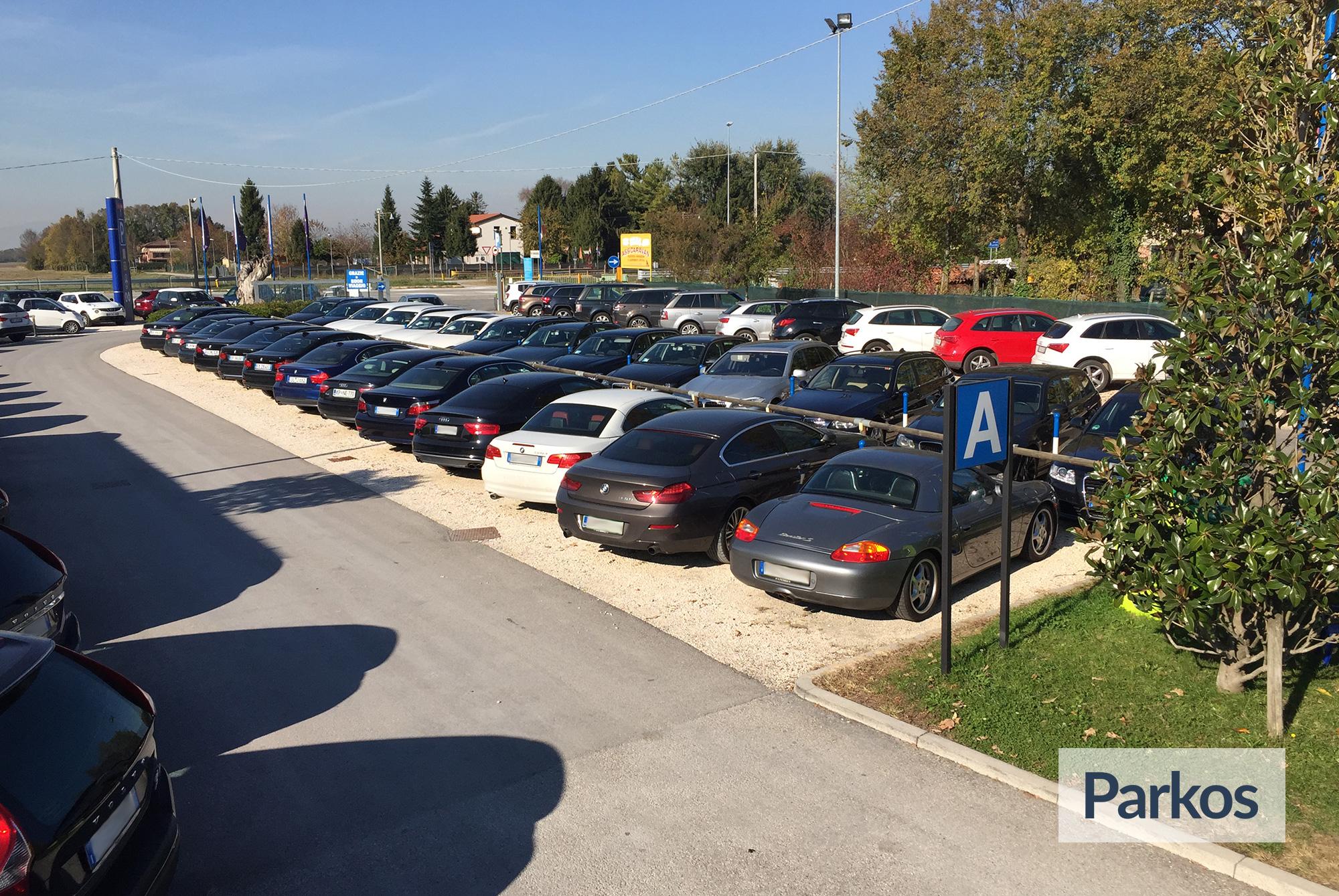 Aeroporto Treviso Parcheggio : Parcheggio marco polo prenota il tuo posto auto